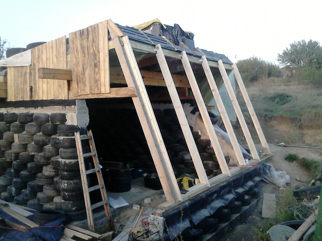 Earthship Floor Plans on Small House Plans With Courtyard